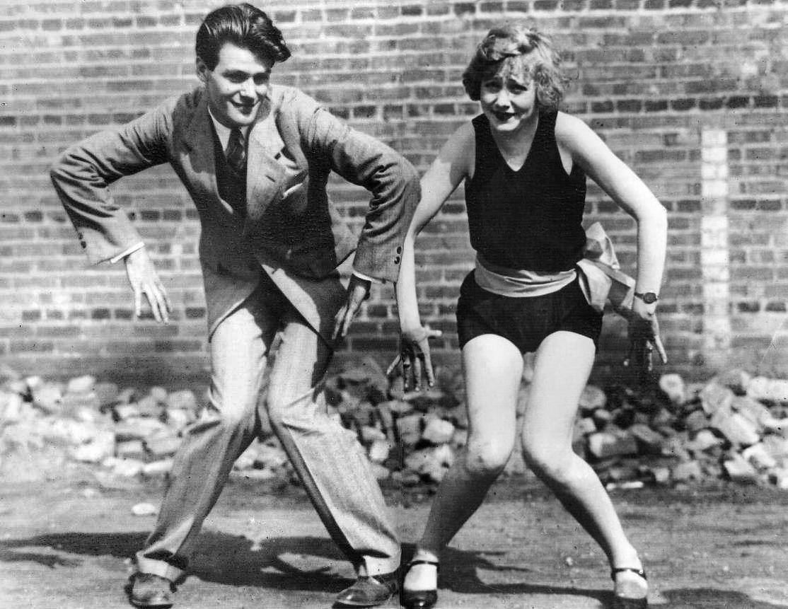 Sharon Davis   1920s Charleston Flapper